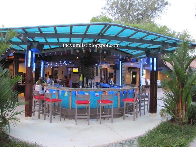 Shangri La, Golden Sands, Batu Feringgi, Penang, resort, beach, sea, hotel, bar, restaurant
