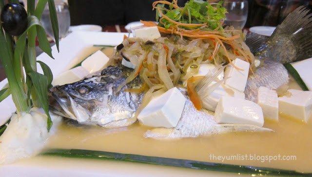 Phoenix Restaurant, Holiday Inn, Kuala Lumpur, Shah Alam, Chinese New Year set menu, Yee Sang, authentic Cantonese cuisine, healthy food,
