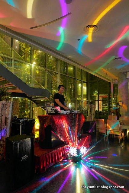 Ladie's Night, batubar, Lone Pine Hotel, Batu Ferrinnghi, Penang