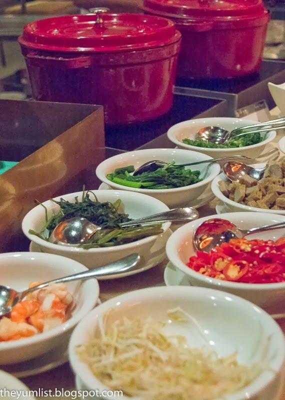 Chinese New Year Buffet, CNY, Tonka Bean Cafe, Impiana KLCC Hotel, Prosperity Buffet, Chinese food, yee sang, fresh seafood,