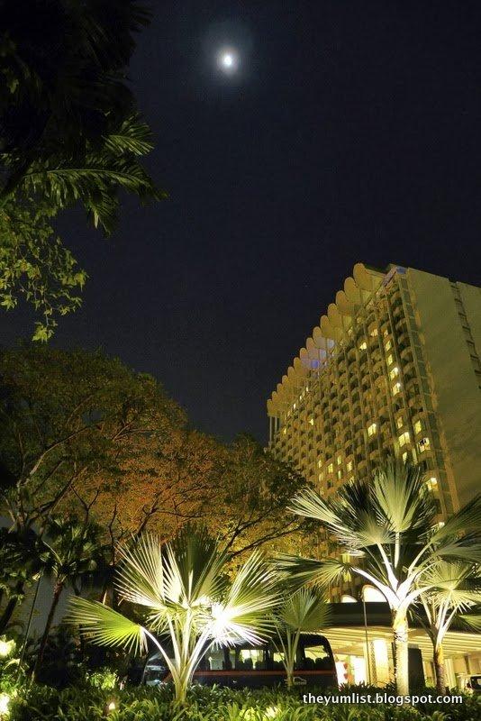 Shangri la hotel singapore the yum list for Shangri la barcelona