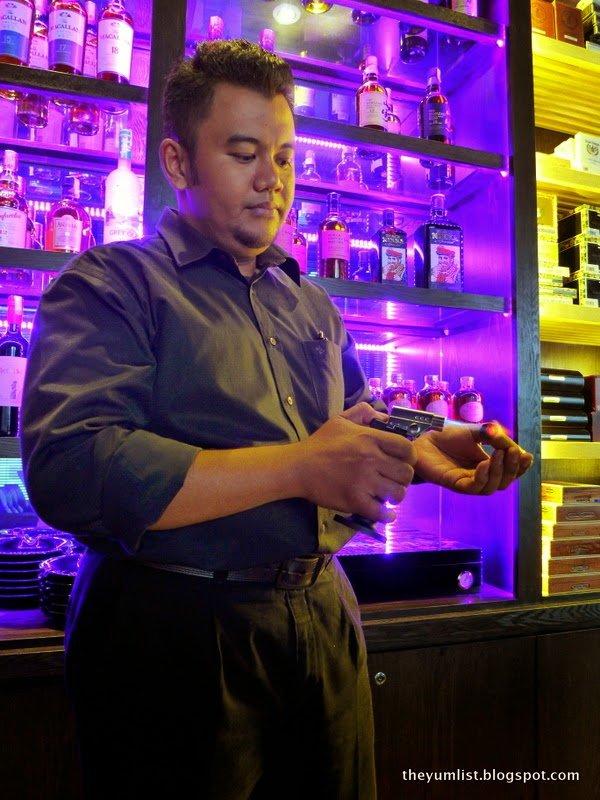Whisky Tango Foxtrot, Whisky Bar, Avenue K