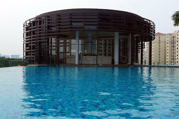 Aqua Luna, Singapore