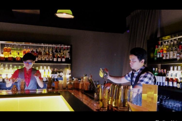 Sparrow Bar KL