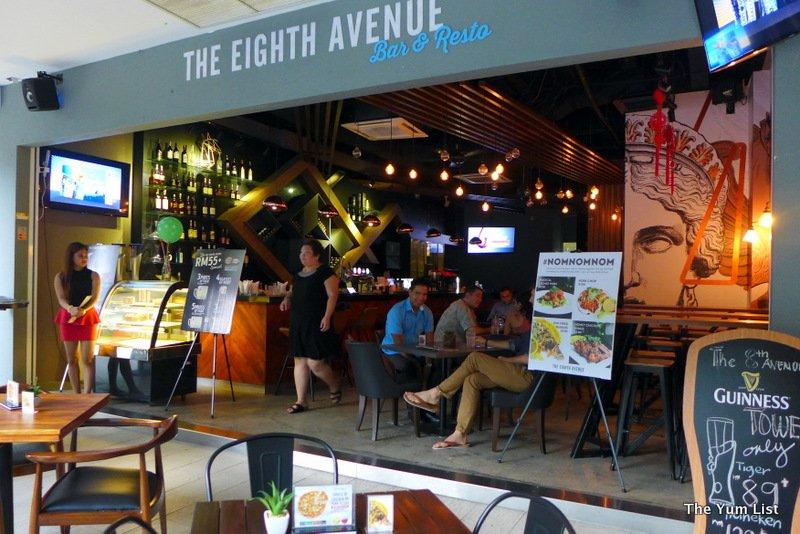 The Eighth Avenue, Publika