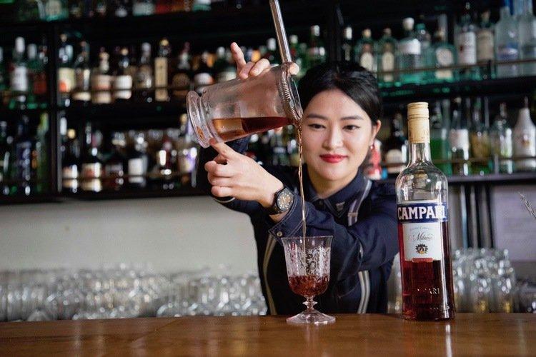 June Baek, bartender Court Martial Bar, Singapore